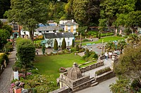 Botanical gardens in village of Portmeirion, founded by Welsh architekt Sir Clough Williams_Ellis in 1926, Portmeirion, Wales, UK