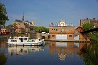 Houseboat at Port d´Amont in the morning, Old city, Notre_Dame cathedral, Boathouse of Amiens´ rowing_club, Amiens, Dept. Somme, Picardie, France, Eur...