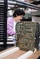 industria Olivetti, assemblaggio componenti, anni ´80