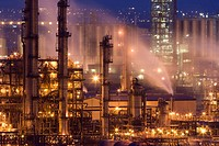 Grangemouth Oil Refinery in evening light, United Kingdom, Scotland, Grangemouth