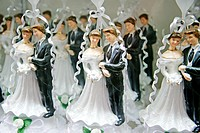 Bride and Groom Wedding Cake Figures