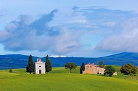 Chapel of the Madonna di Vitaleta, Val d´Orcia UNESCO World Heritage Site, Pienza, Siena Province, Tuscany, Italy