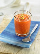 Papaya juice with pistachios