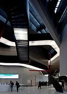 Museo nazionale delle arti del XXI secolo, vollendet 2010 von Zaha Hadid, Treppenlufe im Vestibl