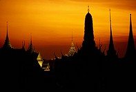An overview of the Grand Palace Temple complex at dusk.