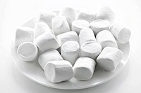 Marshmallows on plate