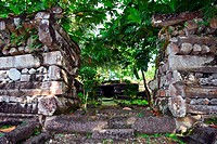 Ruins at the archeological city of Nan Madol, known as the ´Venice of the Pacific´, Madolenihmw Province, Pohnpei, Federated States of Micronesia, Nor...