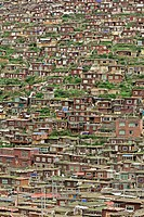 Larong Wuming Tibetan Buddhist Institute, Serdar, Garze Tibetan Autonomous Prefecture, Sichuan, China, Asia