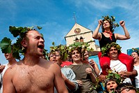 FESTIVAL IN THE VINEYARDS, TRADITIONAL PARTY ON THE LAST DAY OF THE HAND PICKING OF THE GRAPES, BURGUNDY WHITE, HUBER_VERDEREAU VINEYARDS, VOLNAY, COT...
