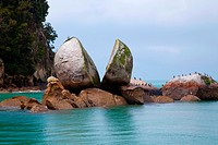 Split Rock, Kaiteriteri Coast, Abel Tasman National Park, South Island, New Zealand