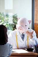 Pig Head Nutritionist With Patient At Desk