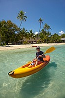 Kayaker, Plantation Island Resort, Malolo Lailai Island, Mamanuca Islands, Fiji, South Pacific
