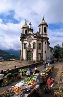 Market in front of the church Igreja de Sao Francisco de Assis, Ouro Preto, Minas Gerais, Brazil, South America, America