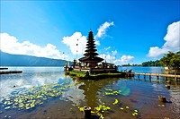 Indonesia, Bali, temple at lake Bratan