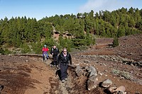 Hikers on the Volcano Route, Ruta de los Volcanoes, La Palma, Canary Islands, Spain, Europe