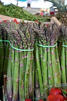 Asparagus bunches for sale in a market