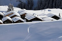 Snow-capped cabins (thumbnail)