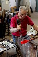 Marino D'Este, glassblower maestro, Voltolina-Murano-Lab factory, art glass factory, Murano, Venice, Venetia, Italy, Europe