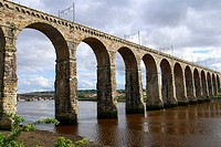 Railway bridge, stone bridge, River Tweed, Berwick-upon-Tweed, Scotland, United Kingdom, Europe