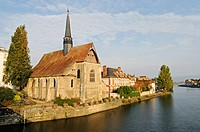 Saint Maurice Church, Yonne River, Sens, Yonne, Bourgogne, Burgundy, France, Europe, PublicGround