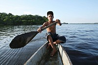 Fishing is the main income of the population near the river Magdalena