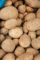 potatoes raw vegetables food pattern in market