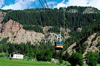 cable lift, italian mountain landscape, Dolomiti