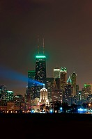 Image of Chicago city skyline at night.
