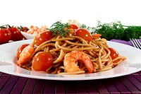 Spaghetti with tomatoes, fresh shrimp and dill