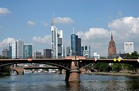 Skyline, Saint Bartholomeus's Cathedral on the right, Main river, Frankfurt am Main, Hesse, Germany, Europe