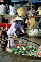 Floating market, Can Tho, Mekong Delta, Vietnam, Indochina, Southeast Asia, Asia