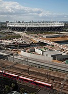 2012 LONDON OLYMPIC STADIUM POPULOUS ARCHITECTS 2010 GENERAL VIEW FROM HIGH LEVEL CONSTRUCTION WITH DLR TRAIN