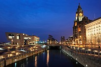 Royal Liver Building at dusk, Pier Head, UNESCO World Heritage Site, Liverpool, Merseyside, England, United Kingdom, Europe