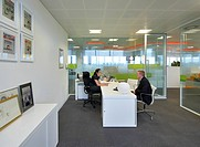 THE PENINSULA, ID:SR/SHEPPARD ROBSON, MANCHESTER, 2010, OFFICE WITH PEOPLE SITTING AT DESK,OFFICE, Architect