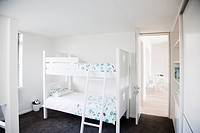 Bunk beds in children's bedroom (thumbnail)