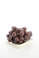 rote Weintrauben, vor dem Verzehr frisch gewaschen