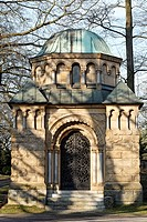 Pompous mausoleum of the Heynen family, around 1920, Nordfriedhof Cemetery, Duesseldorf, North Rhine-Westphalia, Germany, Europe