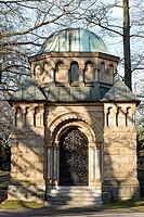 Pompous mausoleum of the Heynen family, around 1920, Nordfriedhof Cemetery, Duesseldorf, North Rhine-Westphalia, Germany, Europe