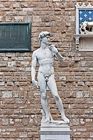 Statue of Michelangelo´s David standing beside the Palazzo Vecchio, Florence, Italy