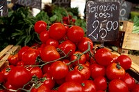 Tomatoes, Rome market