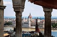 Europa, Ungarn, Budapest, Stadtansicht mit Parlament. Eines der Wahrzeichen der Stadt, Europe, Hungary, Cityscape with Parliament. One of the landmark...