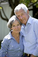 Germany, Bavaria, Senior couple smiling, portrait (thumbnail)