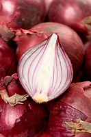 Detail of red onions