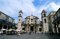 Cuba, Old Havana, Plaza De La Catedral, Cathedral and sidewalk cafe