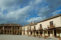 Main Square of Pedraza, walled medieval village declarated Historical-Artistic Site  Segovia province  Castilla y León  Spain