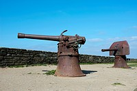 Two historical cannon above the cliffs, former Fort at Cape Pointe de Saint Mathieu, Département Finistère, Brittany, France, Europe
