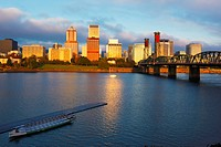 Sunrise over the willamette river and the skyline of portland, portland oregon united states of america