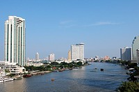 Blick über den Chao Phraya in Bangkok / View over the Chao Phraya at Bangkok