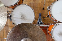 Drum kit arrangement
