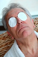 Senior trying to ease eyes pain